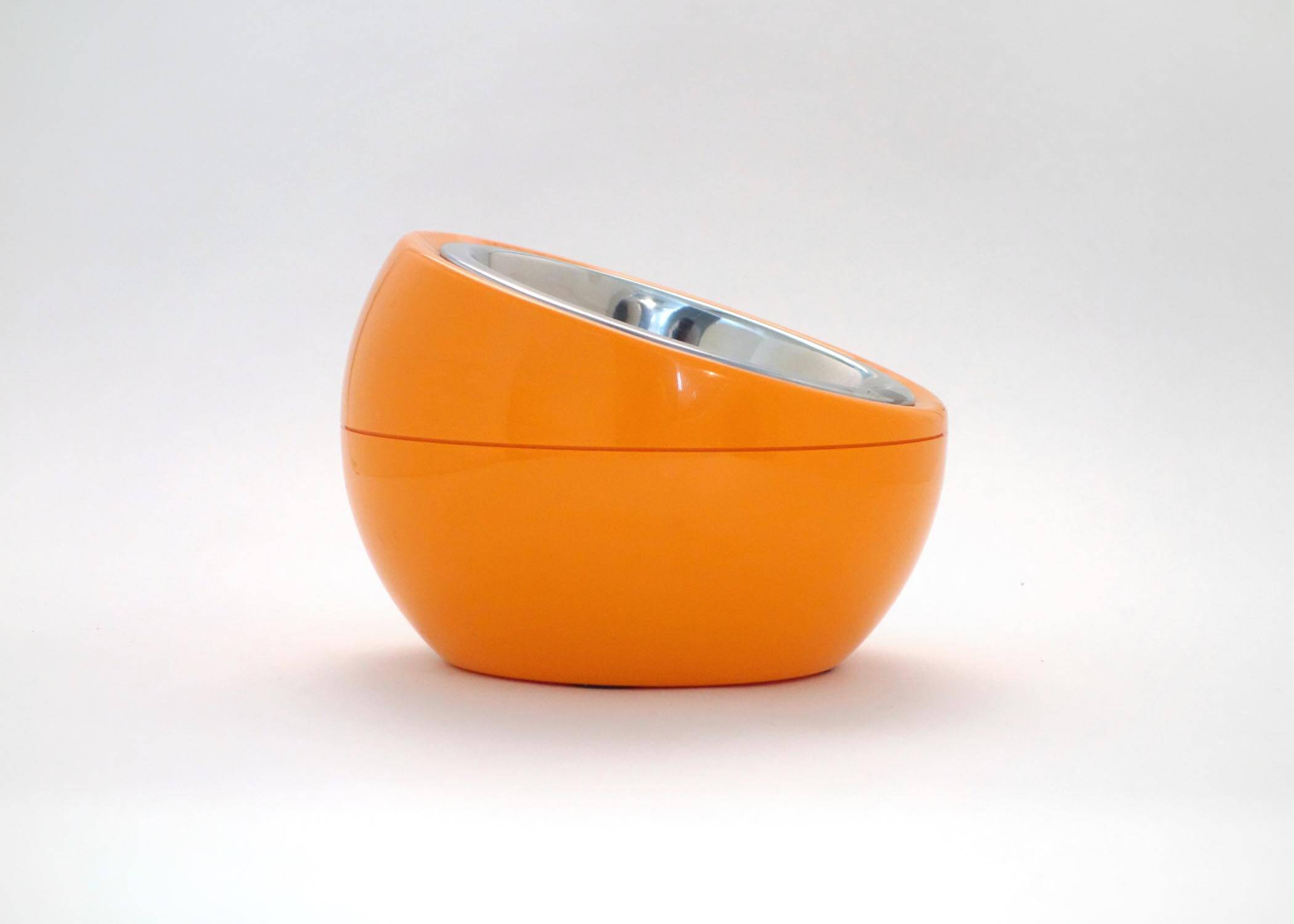Hing dome bowl pet product design